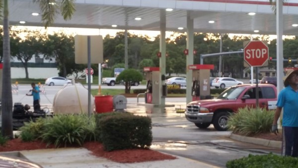 Tampa Pressure Washing Gas station - After picture