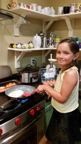 Mother´s Day breakfast cooking by daughter of Mauricio Munoz