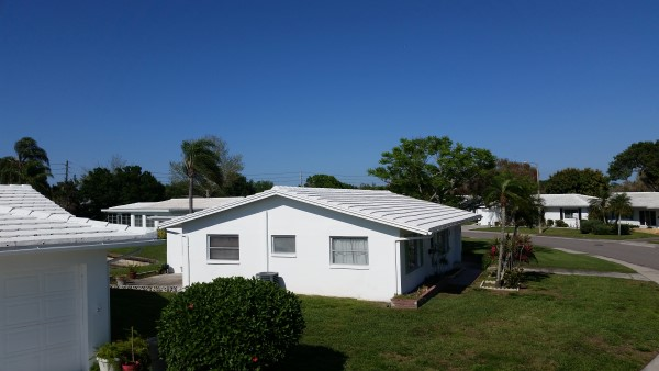 Softwashed Roofs in Mainland of Tamarac Pinellas Park