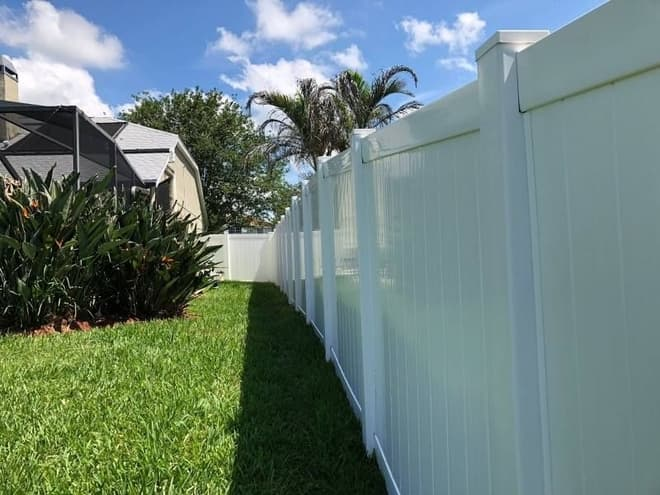 vinyl fence after pressure washing by DPI